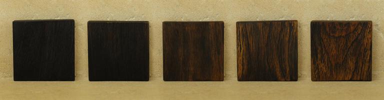 differentes teintes de bois brulé yakisugi shou sugi ban pour les meubles