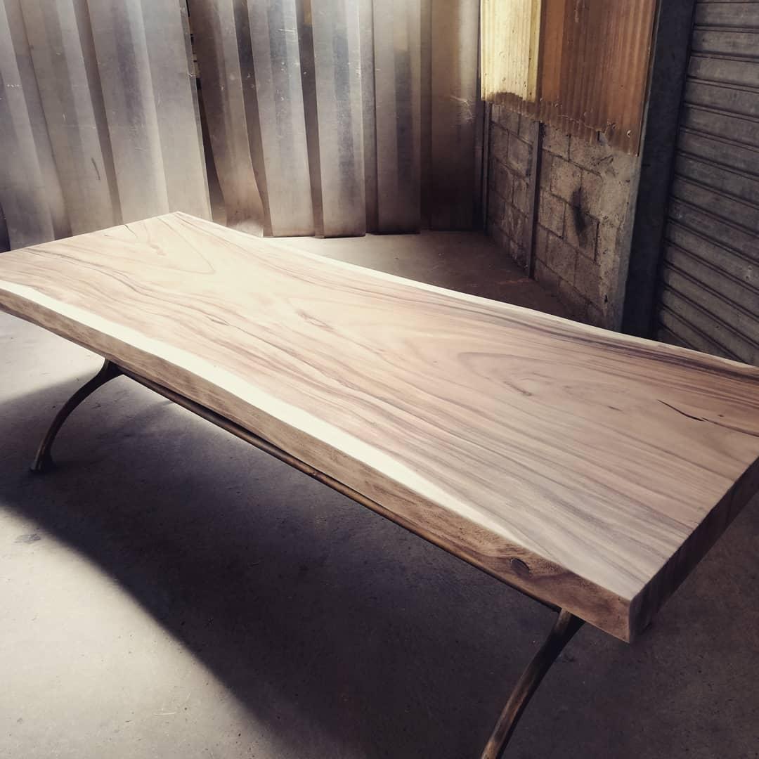 table suar pied fonte patinee doree