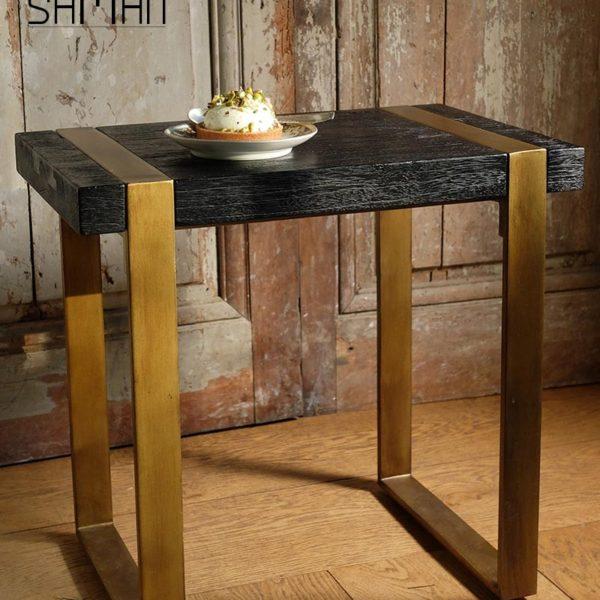 Bout de canapé teck massif bois brule noir shou sugi ban pied metal patine dore vintage