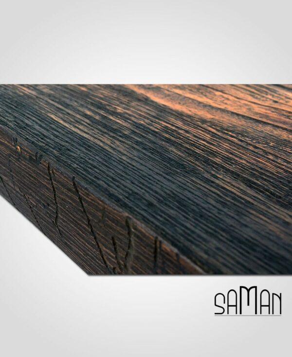 Bords de table live edge avec trous de vers