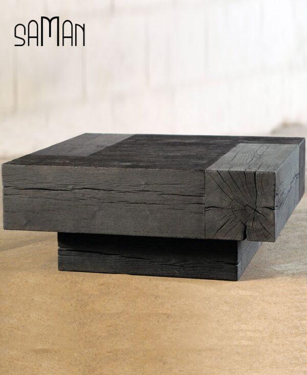 Table basse en poutre de chene brulé noir yakisugi style bauhaus