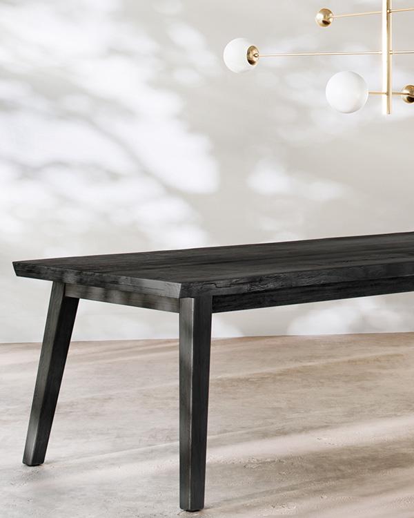 Table-bois-massif-bois-brûlé-shou-sugi-ban-yakisugi-artisanat-art-piece-unique-brut-live-edge-organique